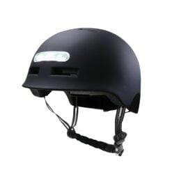 Ochranná přilba s předním i zadním světlem - ideální na elektro koloběžky